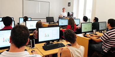 EXO lanza un plan para que jóvenes sin recursos se formen en software