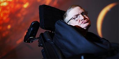 Cómo despidieron a Stephen Hawking los CEOs de Microsoft, Google y Apple