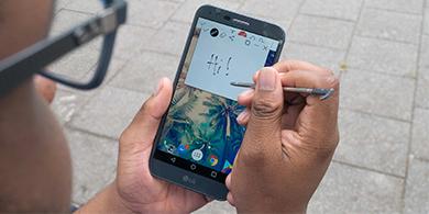 Las pantallas grandes dominarán los smartphones