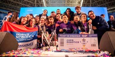 5 estudiantes argentinos quieren ganar el Mundial de Robótica con Julito